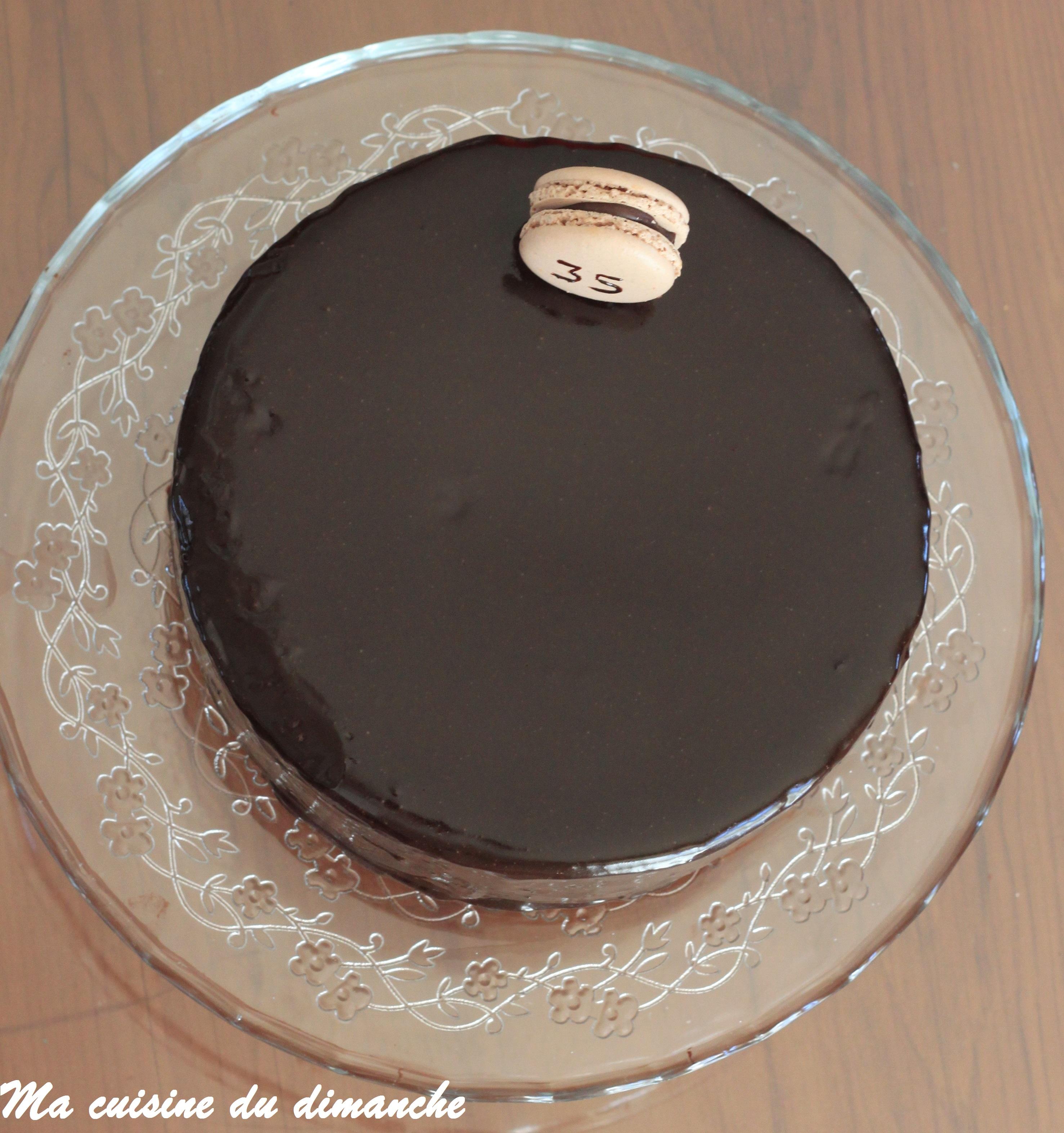 g teau d anniversaire au chocolat gla age miroir chocolat. Black Bedroom Furniture Sets. Home Design Ideas