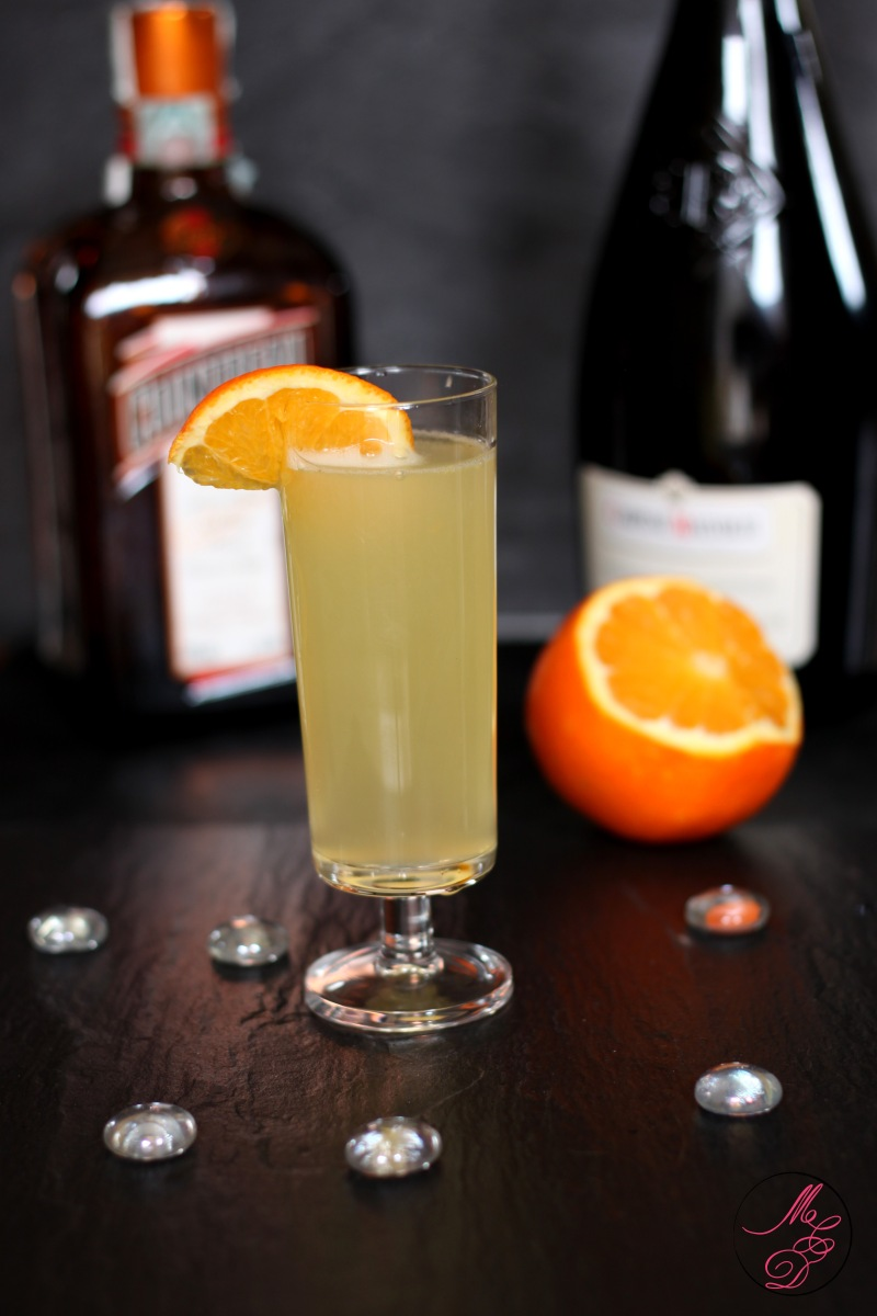 Cocktail prosecco cointreau orange for Cointreau mixed drinks